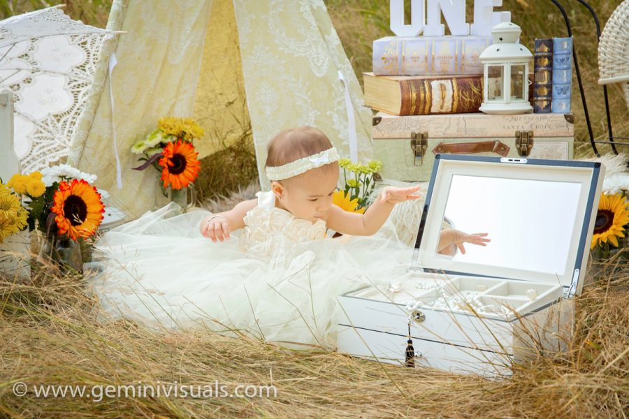 cake smash, surrey photographer, family photographer, gemini visuals, family sessions