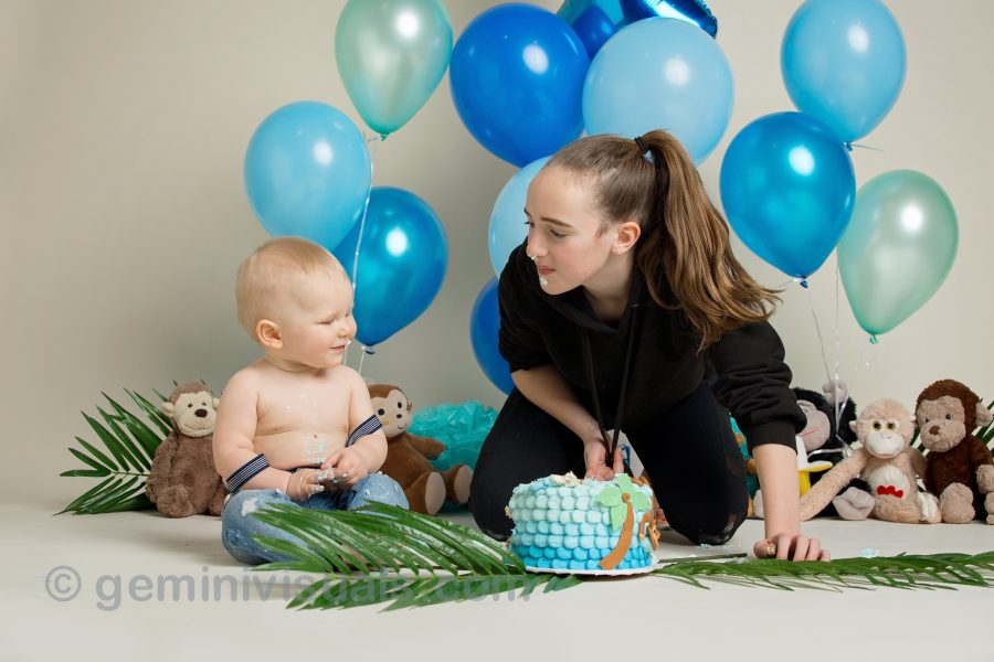 cake smash photos, baby photos, baby photography, newborn sessions, vancouver milestone photography